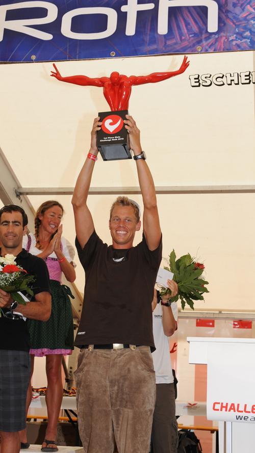 Rasmus Henning (DNK) holte sich den Gesamtsieg der Männer im Jahr 2010. Seine Zeit: 07:52:36