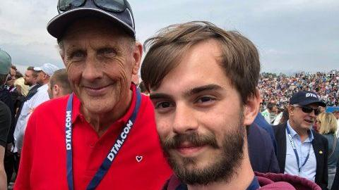 Auch Hans-Joachim Stuck (links) ließ sich am Norisring blicken, das wiederum ließ das Herz unseres Reporters höher schlagen. Stuck ist eine kleine Legende und deutscher Motorsportfunktionär sowie ehemaliger Automobilrennfahrer.