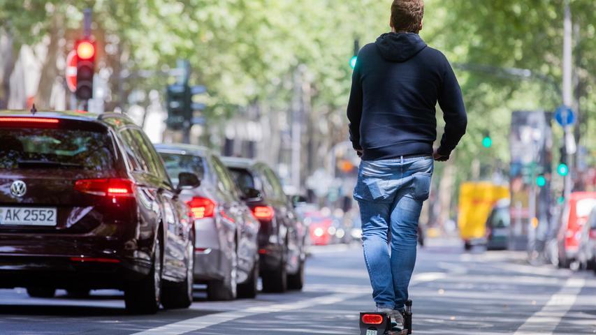 Unterwegs mit dem E-Scooter: Diese Regeln gelten auf den Tretrollern