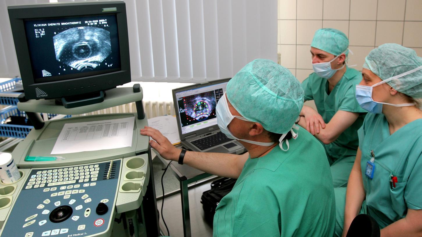 Bei Prostatakrebs muss nicht immer operiert werden.