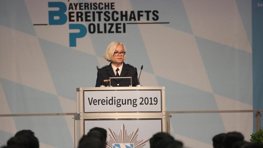 Vereidigung von Polizeibeamtinnen und -beamten aus Bayern in der Frankenhalle in Nürnberg - Andrea Weldel (Chefin Prüfungsamt)..Foto: (c) RALF RÖDEL / NN (13.07.19)..