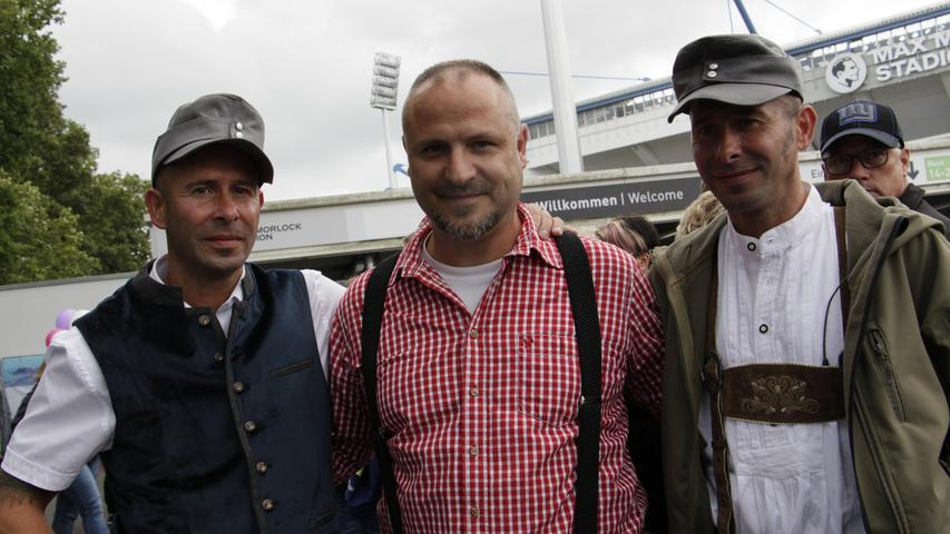Thomas, Jörg und Maik (links) sind aus Thüringen angereist.