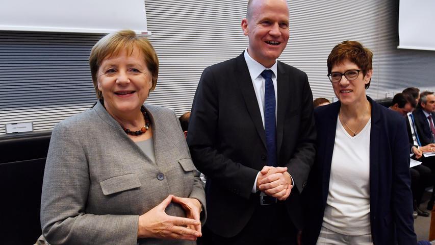Am 7. Dezember 2018 übergab sie den Posten des Bundesvorsitz der CDU an Annegret Kramp-Karrenbauer nach deren Wahl im zweiten Wahlgang.