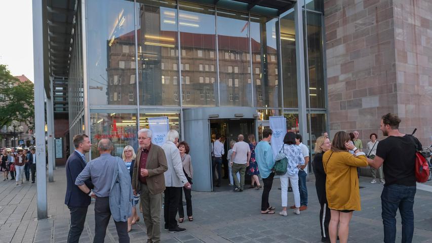 Lokales/Feuilleton..Foto: Günter Distler..Motiv: NN-Kunstpreis 2019; Preisverleihung und Ausstellungseröffnung; 17.09.2019 - Außenansicht; Nürnberg Info; Künstlerhaus; Glasbau