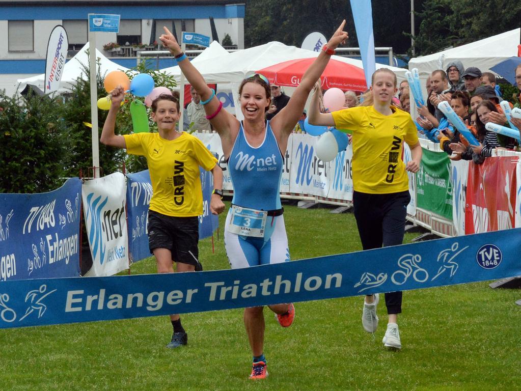 29. M-Net Triathlon. Siegerin Kurztriathlon Lena Gottwald..Foto: Klaus-Dieter Schreiter