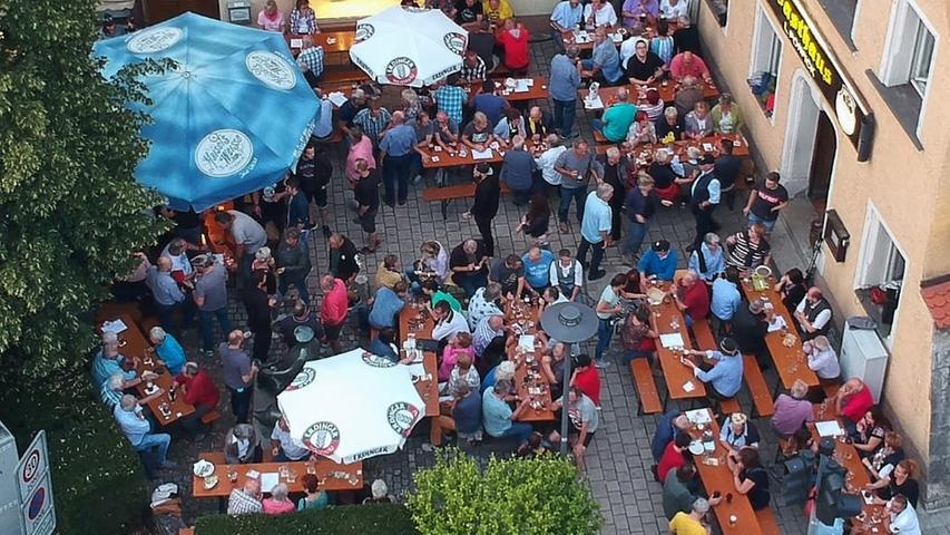 Schlappenabend eröffnet Pegnitzer Marktplatzfest