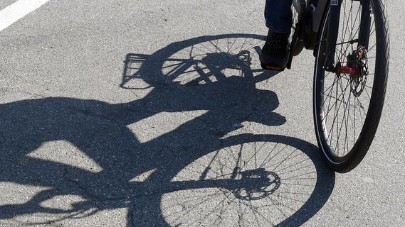 Unfall mit E-Bike in Nürnberg: 85-Jähriger erliegt Verletzungen