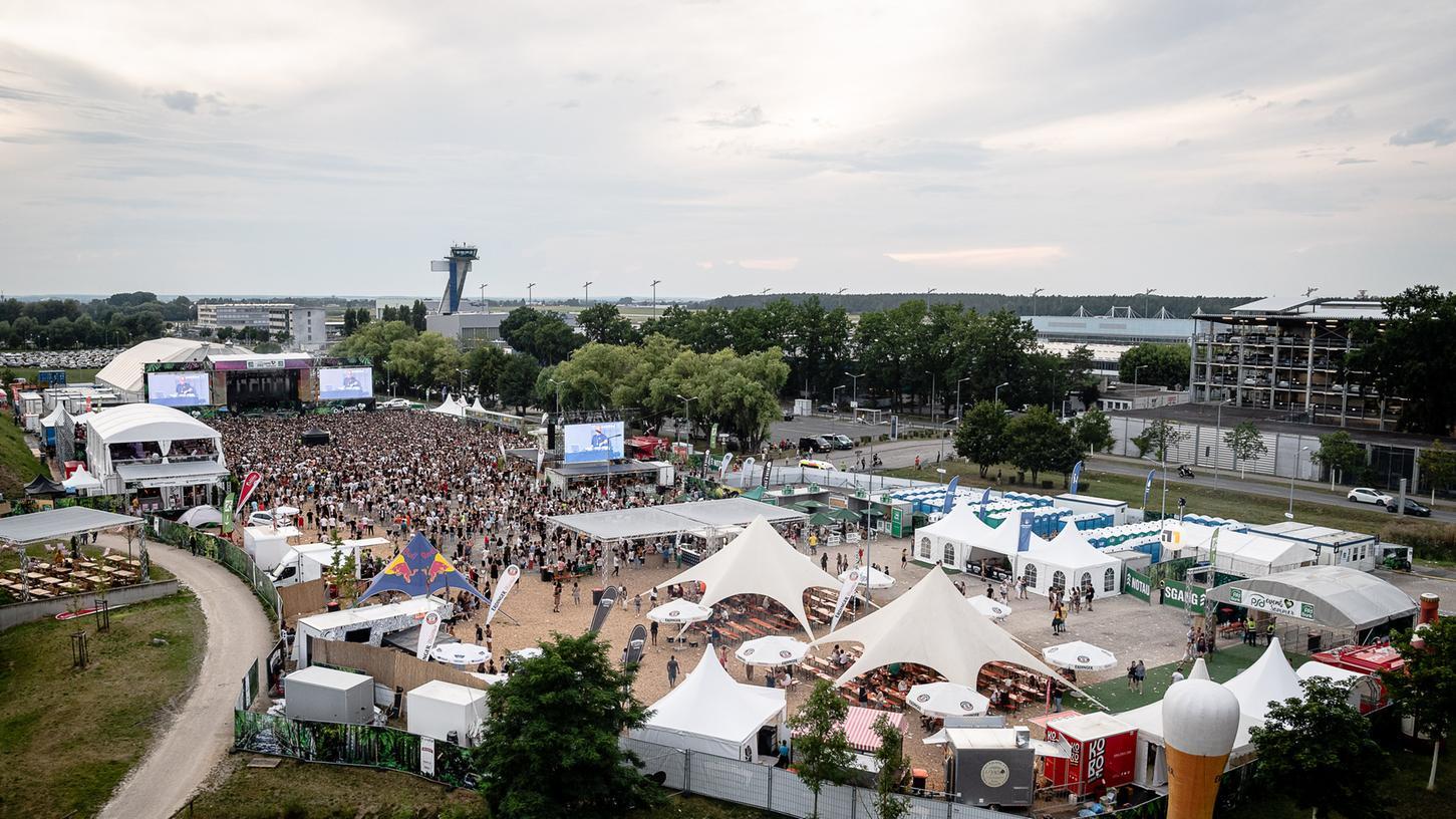 Festivals wie das Latin-OpenAir am Airport fallen in diesem Jahr wegen des Coronavirus ins Wasser.