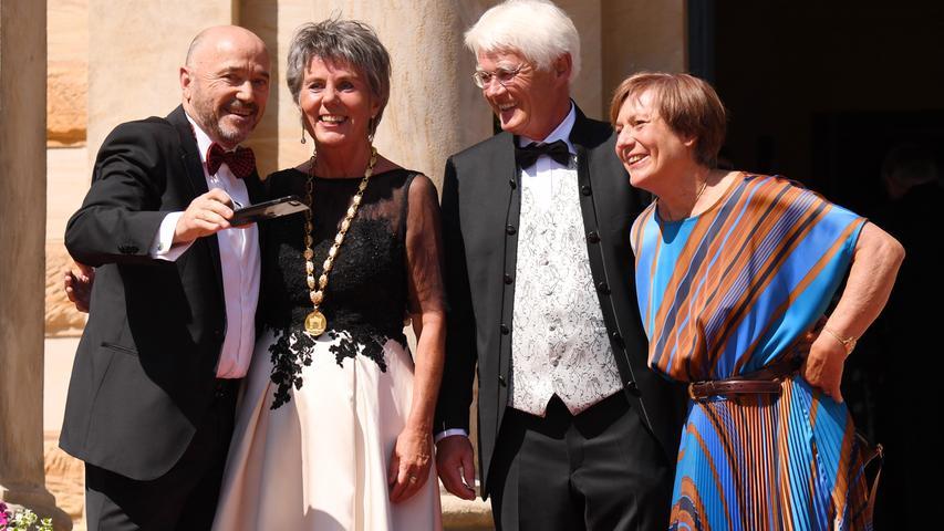 Heiß und schick: Promi-Schaulaufen bei den Bayreuther Festspielen 2019