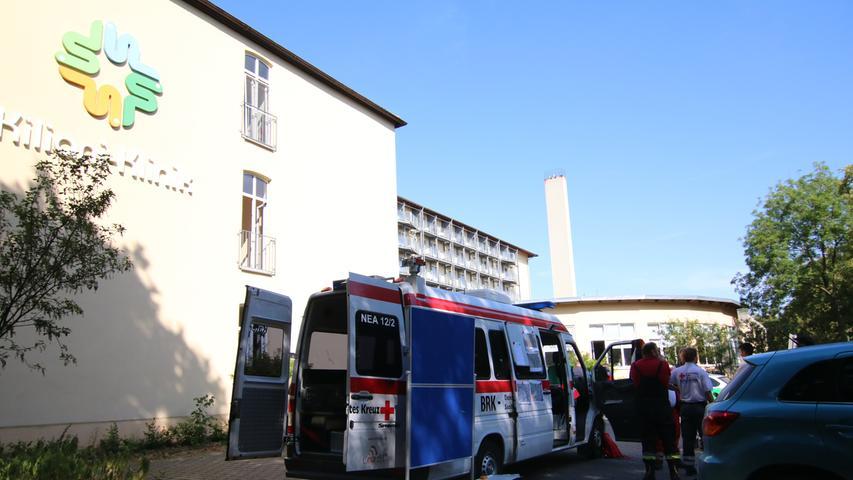 Das Spektrum der Versorgung der Klinik Bad Windsheim des Landkreises Neustadt/Aisch-Bad Windsheim ist breit. Es reicht von Unfallchirurgie und Orthopädie über Innere Medizin und Akutgeriatrie bis zu Belegabteilungen etwa für Gefäßchirurgie, Rheumatologie oder Hals-Nasen-Ohren-Heilkunde.