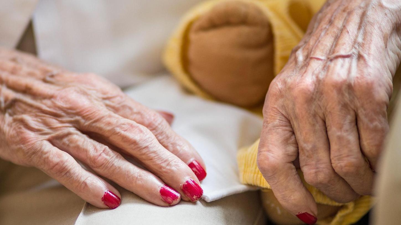Die Spezialisierte ambulante Palliativversorgung unterstützt Todkranke, vor allem Krebspatienten, in den letzten Monaten ihres Lebens – und tut alles Mögliche, damit diese ohne Schmerzen und zuhause sterben können.