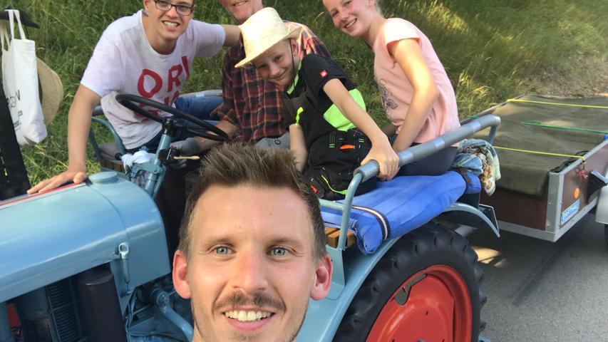 Traktor-Taxi und Berghexe: Wanderreporter Micha auf Tour