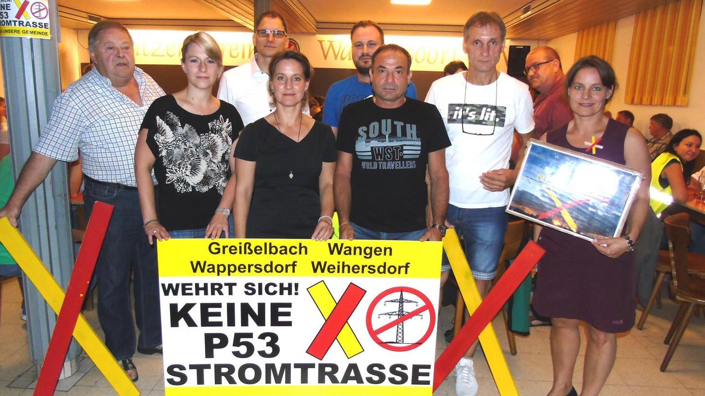 Im Wappersdorfer Schützenhaus ist eine weitere Bürgerinitiative gegen die geplante Starkstromleitung P 53 gegründet worden. Das Foto zeigt die Initiatoren.