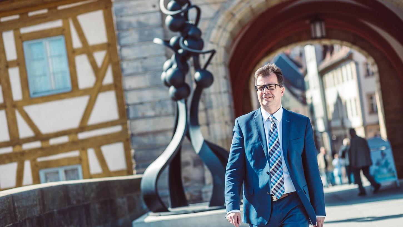 Der aktuell amtierende Zweite Bürgermeister Bambergs kandidiert bei der Kommunalwahl am 15. März 2020 für das Oberbürgermeisteramt der Stadt. Unter dem Motto