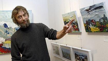 Noch vor wenigen Tagen präsentierte Bernhard Maria Fuchs in der Neumarkter Galerie Herrmann Bilder, die er auf seiner China-Reise gemalt hatte. Der «Waldmensch aus Wangen» bekommt heuer den Kulturpreis der Stadt Neumarkt.