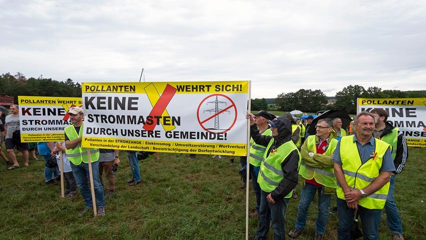 Auch aus anderen Landkreisen waren Stromtrassen-Gegner nach Gustenfelden gekommen. Zum Beispiel aus dem Landkreis Neumarkt, wo sich ebenfalls schon mehrere Bürgerinitiativen formiert haben.