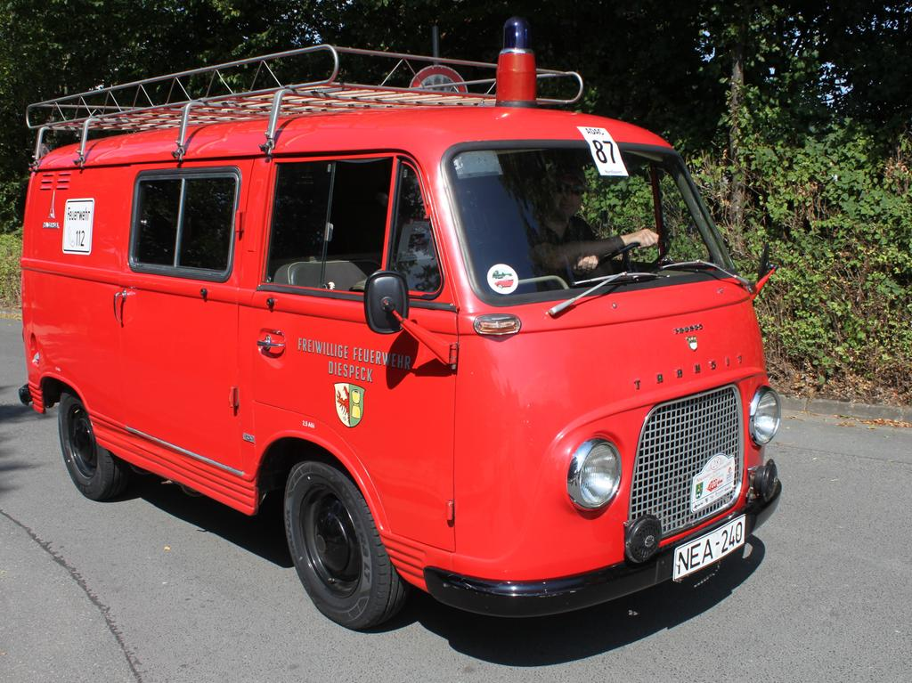 Oldtimer Diespeck Ford Taunus FK 1000 Taunus Transit Feuerwehrfahrzeug Feuerwehrauto Oldtimer Tragkraftspritzenfahrzeug TSF