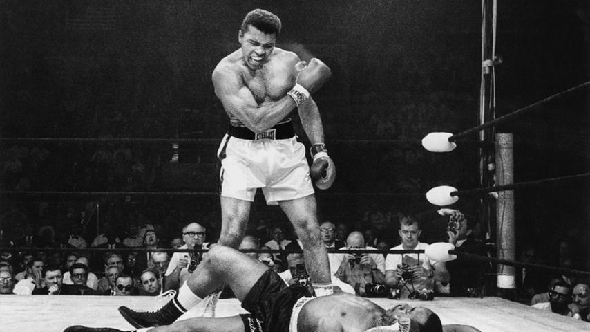 Am 7. Dezember 1970 kämpfte die Boxerlegende Muhammad Ali gegen den argentinischen Boxer Oscar Bonavena. Erst 24 Stunden vor dem Kampf fertigte Adolf Dassler einen Schuh für den dreifachen unumstrittenen Weltmeister an, mit dem er den Kampf in der 15. Runde durch einen technischen Knockout gewann.
