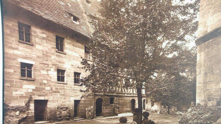 Historisches Forchheim: Innenhof der Kaiserpfalz 1952