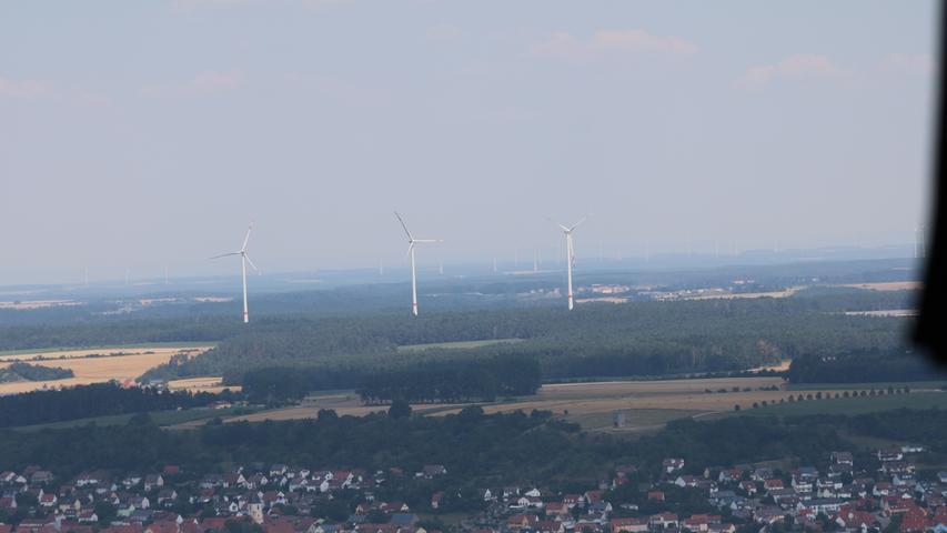 Luftbild auf Windräder