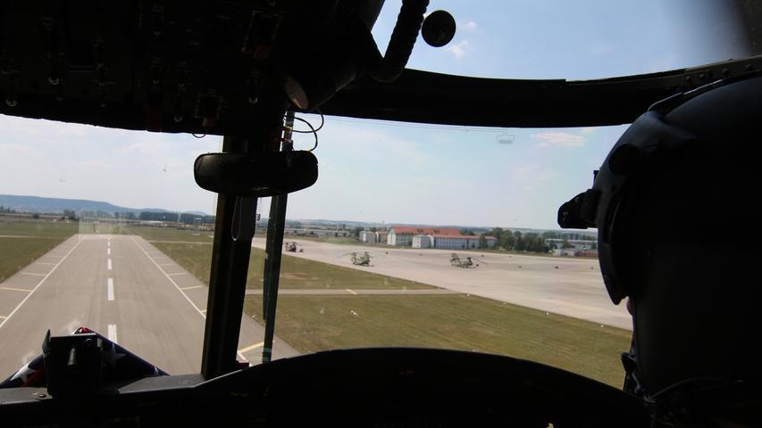 Landeanflug auf dem Illesheimer Flugfeld der Storck Barracks