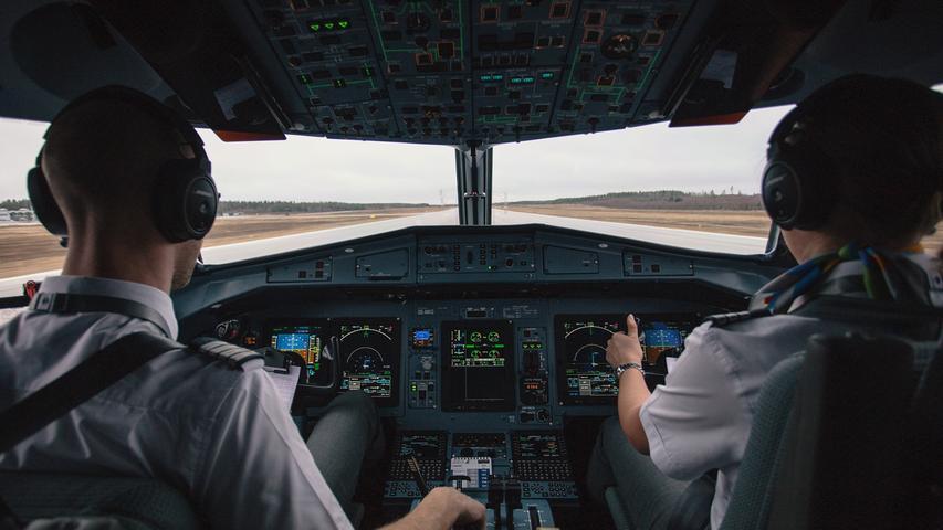 Auf dem vorletzten Platz der Top Ten landet die Berufsgruppe der Piloten und Pilotinnen mit 71 Prozent. Allgemein auf dem vorletzten Platz der Umfrage landen Mitarbeiter und Mitarbeiterinnen in Werbeagenturen mit zehn Prozent.