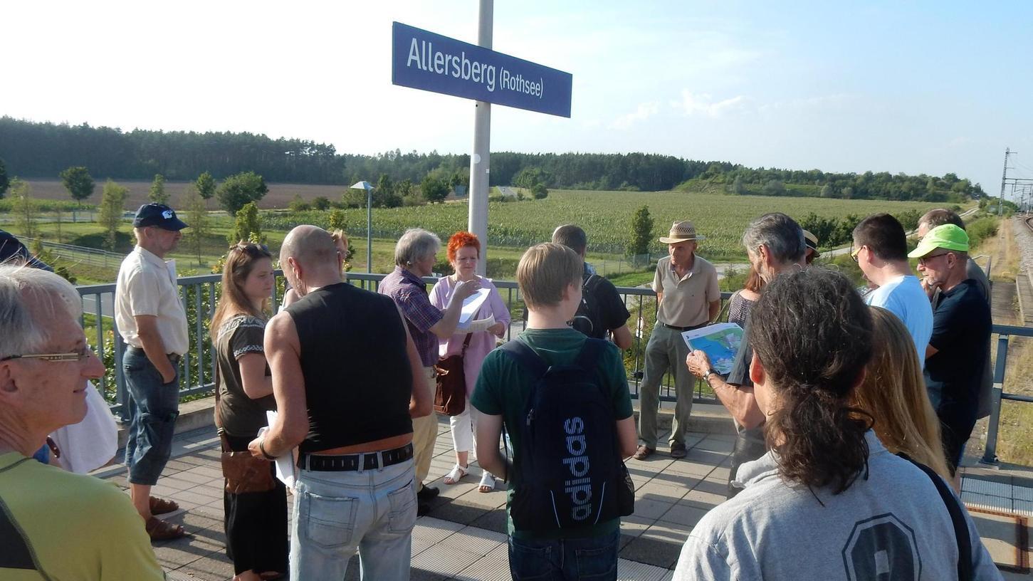 """Abgeordnete aus Fürth und der Oberpfalz folgten der Einladung der Bürgerinitiative """"Lebenswertes Allersberg"""", die die Pläne für die Industriegebiete vorstellte. Die BI strebt einen Bürgerentscheid dagegen an."""