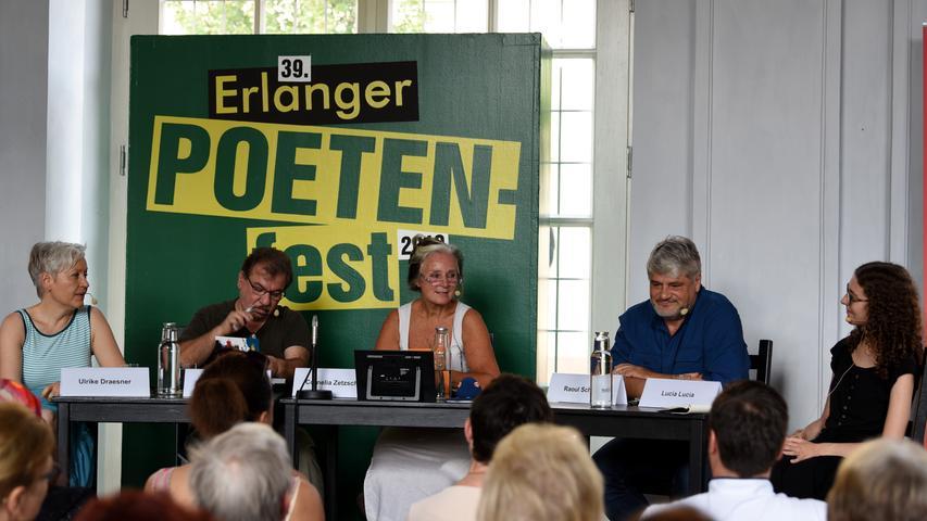 Poetenfest Erlangen 2019, Diwan , BR 2..v.l. Ulrike Draesner, Bachtyr Ali, Cornelia Zetzsche, Raoul Schrott, Lucia Lucia....Musik : Stefan Poetzsch, Njamy Sitson....Foto: Anja Hinterberger (pauschal)....01.09.2019....NN..Erlangen..Lokales..