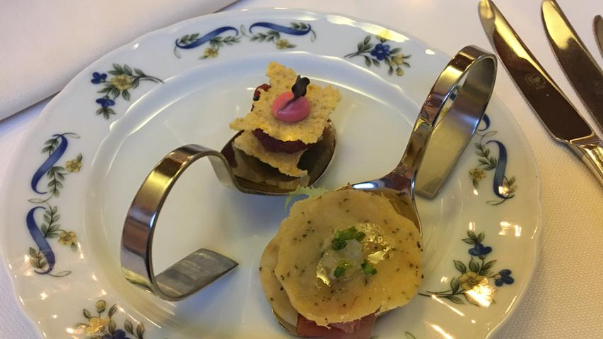 Die typische Trentiner Küche mit Polenta, Pasta, Speck, Bergkäse und Pilzen lässt sich sehr modern...
