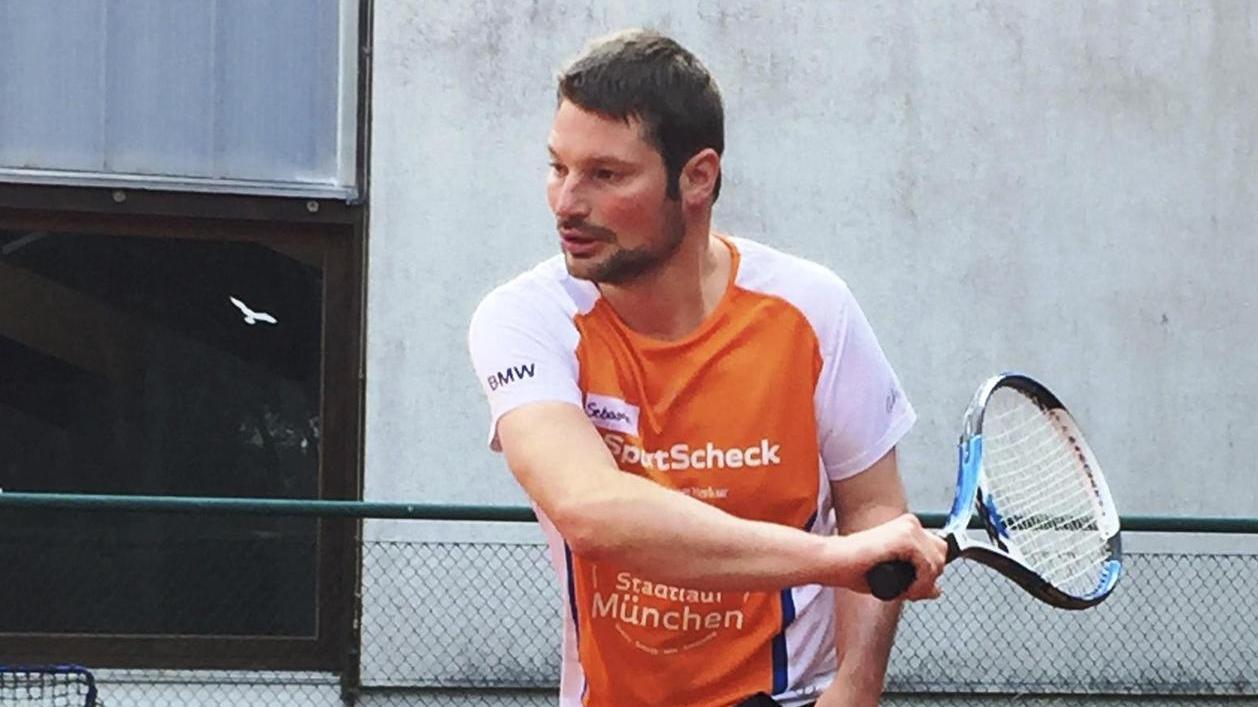 Sebastian Gmelch spielt beim TV Hilpoltstein Tennis, am Sonntag würde er beim Special-Olympics-Turnier gerne einen Pokal gewinnen.
