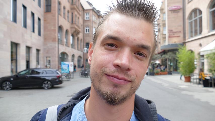 Seine Zukunft befindet sich in der Schwebe: Haenrik Farley aus Nürnberg leidet seit Längerem an einer Sehstörung. Vor Kurzem wurde auch noch Multiple Sklerose (MS) bei ihm diagnostiziert.