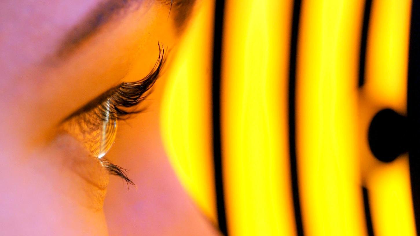 Der Vermessung der Hornhaut des Auges gehört zu einer der Standardleistungen eines Augenarztes. Im Landkreis gibt es nur noch zwei Praxen für gesetzlich Versicherte, weshalb nun ein neues Förderprogramm aufgelegt wurde.