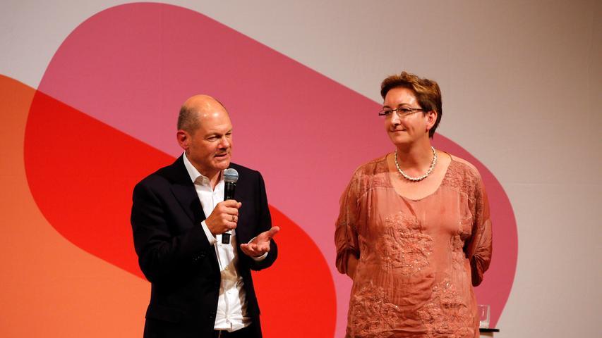 RESSORT: Lokales..DATUM: 05.10.18..FOTO: Michael Matejka ..MOTIV: SPD Kleine Meistersingerhalle / Klara Geywitz und Olaf Scholz..ANZAHL: 1 von x..