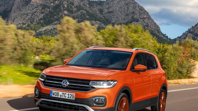 Mit manuellem Getriebe kostet der T-Cross ab 20.150 Euro, mit 7-G-DSG ab 21.650 Euro. Eine Klimaanlage ist im Basispreis nicht inbegriffen.