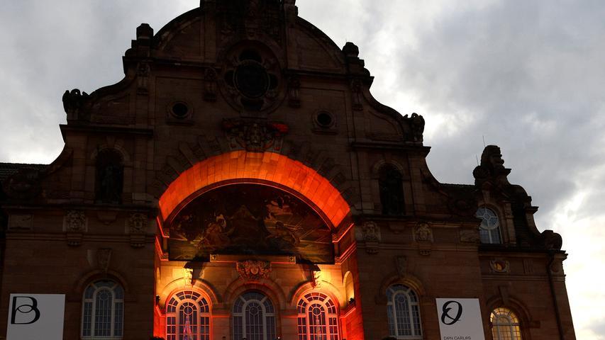 MOTIV: Opernball 2019, Nürnberg .RESSORT: Lokales Nuernberg.FOTO: Nuernberg, Freitag 13.09.2019, Anestis Aslanidis.ABRECHUNG: Pauschale..