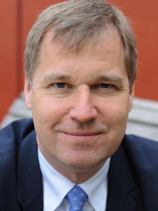 Prof. Dr. Frieder Lang ist Leiter des Instituts für Psychogerontologie sowie Inhaber des gleichnamigen Lehrstuhls an der Friedrich-Alexander-Universität (FAU) Erlangen-Nürnberg.