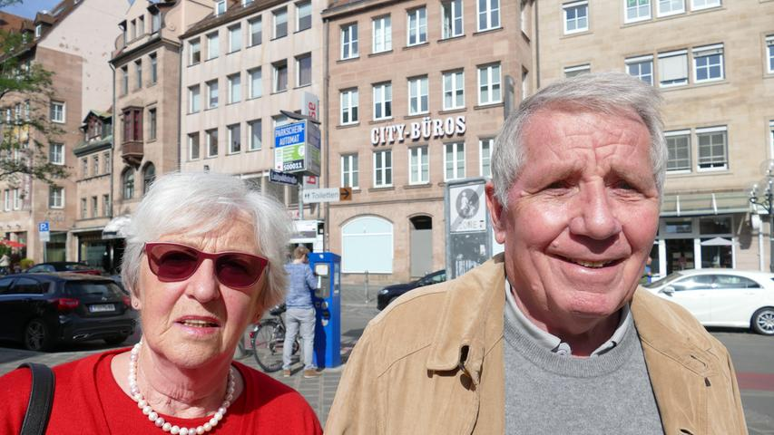 Für Georgine (75) und Klaus Peter Seufert (77) stellt der Klimawandel eine Jahrhundertaufgabe dar.
