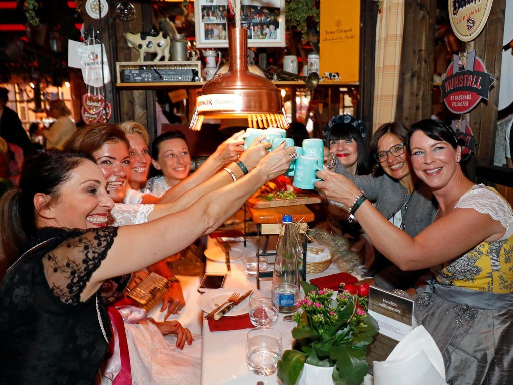 Ressort: Lokales..Datum: 17.09.19..Foto: Edgar Pfrogner..Motiv: Altstadtfest, Insel Schütt, Nürnberg, Ladies Night im Kuhstall auf dem Altstadtfest