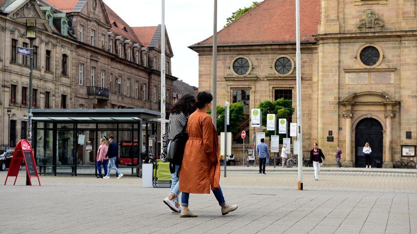 Bummeln vor der Hugenottenkirche.