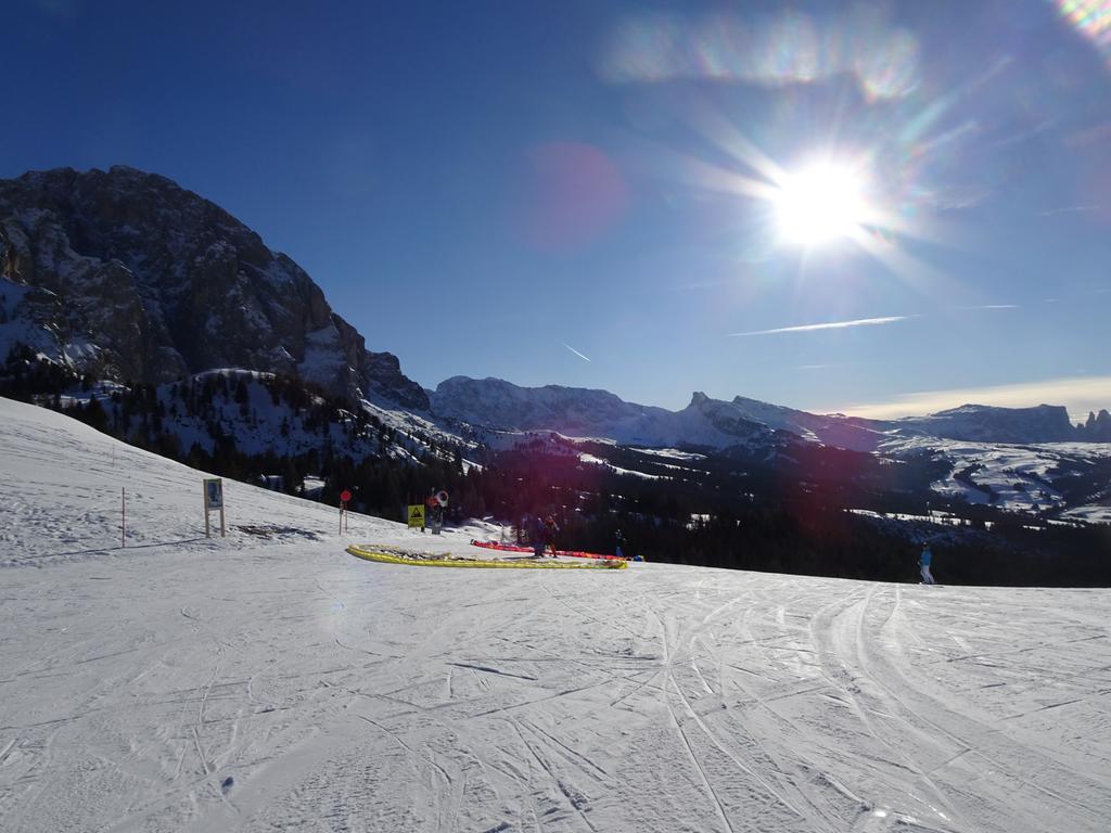 Rund um Sella und den Langkofel. Das Grödner Tal, hier am Monte Pana, bietet fast unbegrenzten Ski-Spaß im größten zusammenhängenden Skigebiet der Welt.