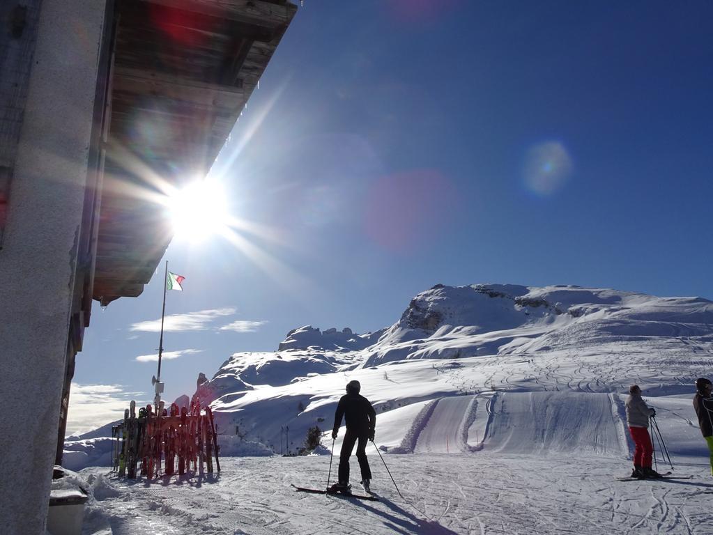 Rund um Sella und den Langkofel. Das Grödner Tal bietet fast unbegrenzten Ski-Spaß im größten zusammenhängenden Skigebiet der Welt.