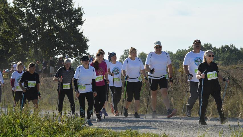 Möhrendorfer Karpfenweiherlauf. Nordic Walking..Foto: Klaus-Dieter Schreiter