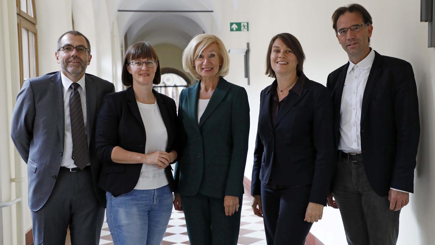 Neu gewählt oder wiedergewählt (v. l.): Harald Riedel (Finanzen), Britta Walthelm (Umwelt), Julia Lehner (Kultur), Elisabeth Ries (Soziales) und Daniel Ulrich (Bau).