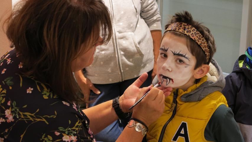 Auch das Modehaus Steingass bot beim Kulturherbst für den Nachwuchs Kinderschminken an.