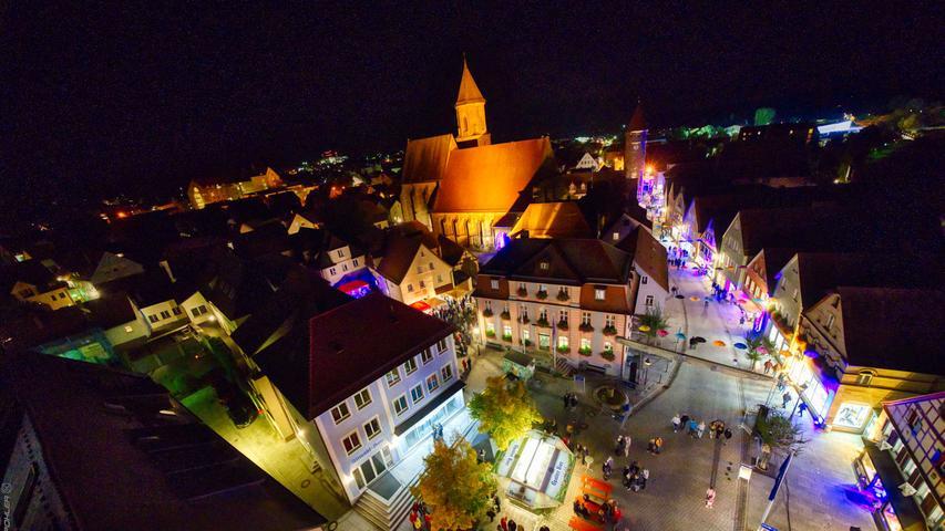 Ein toller Blick über die Altmühlstadt bot sich den Besuchern des Kulturherbsts von der Drehleiter von Spezial-Leiter-Dienstleistungen Schmailzl aus.