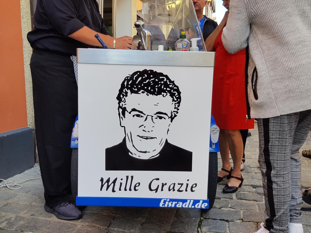 Und Forchheim dankt tausendmal zurück: Salvo Vitale verlässt seine Eisdiele