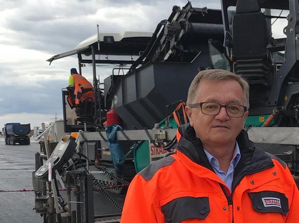 Viele Lieferanten haben keine Nacht-Genehmigung. Auch deshalb wird meist tagsüber gearbeitet, erklärt Hubert Blaim, Vorstand des Bayerischen Bauindustrieverbandes.