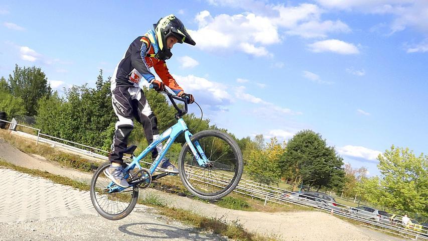 Ben und sein BMX: Seit drei Jahren trainiert der Elfjährige, damit die Sprünge und Tricks mit seinem Bike auch gut gelingen.