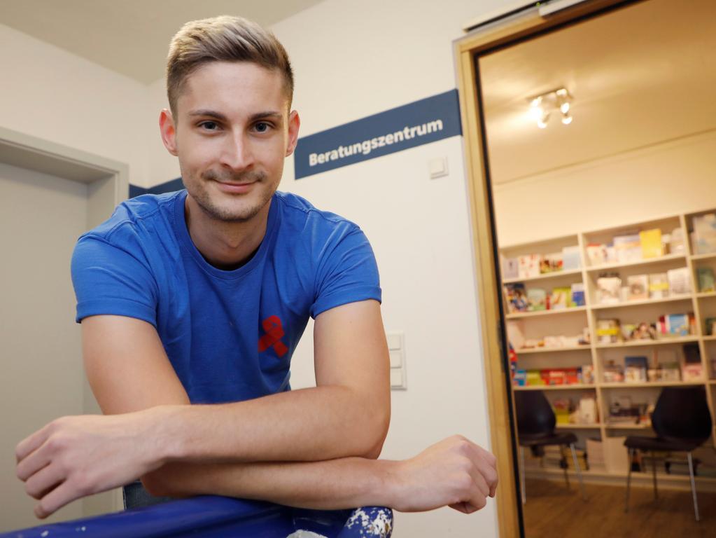 Gay treff erlangen Gay & Bi Kontakte in Bayern: Mann sucht