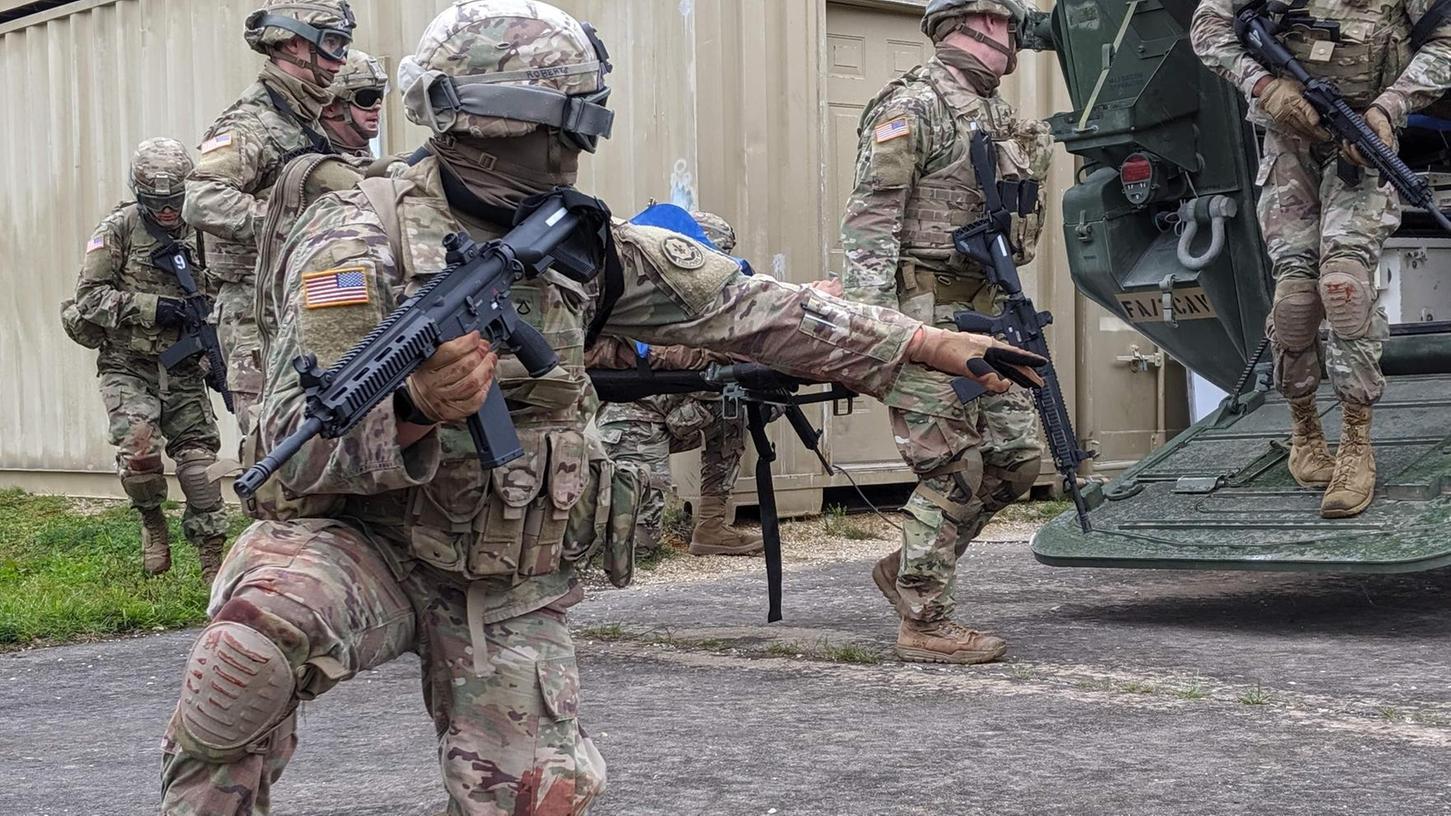 Auf dem Truppenübungsplatz Grafenwöhr proben die US-Streitkräfte und auch Soldaten aus befreundeten Nationen im Medical Training Support Center (MTSC) den Einsatz für den Ernstfall.